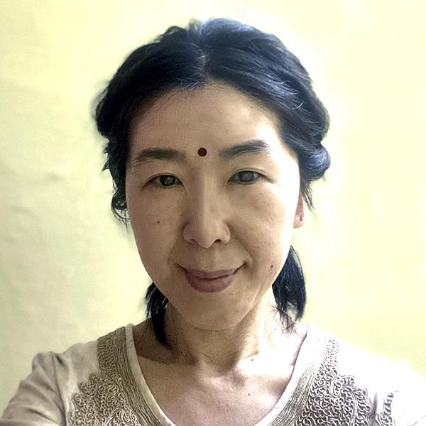「インド聖典の学び舎 長野ヴェーダニラヤン」オーナー Rie
